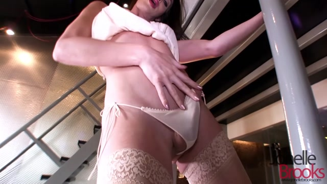 Watch Online Porn – JonelleBrooks presents Jonelle Brooks in Pole – 06.05.2017 (MP4, HD, 1280×720)