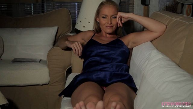 Watch Online Porn – Kathia Nobili in Mommy turns on you and your cock!!! (WMV, FullHD, 1920×1080)