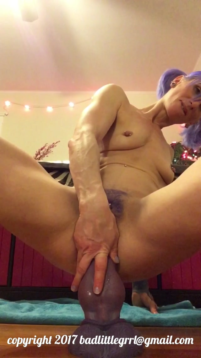 ManyVids_presents_Badlittlegrrl_in_Riding_Bruiser.mov.00010.jpg