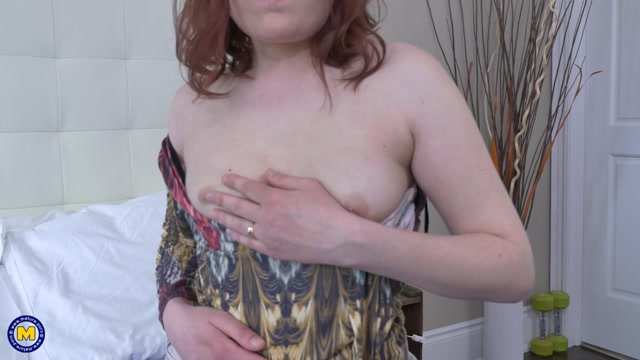 Watch Online Porn – Mature.nl presents Katrina B. (34) in Canadian mom fingering herself – 16.05.2017 (MP4, FullHD, 1920×1080)