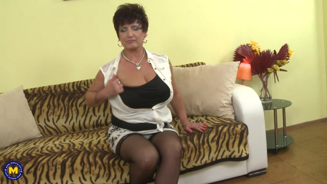 Mature.nl_presents_Kaysha__54__in_big_breasted_housewife_fooling_around_-_09.05.2017.mp4.00001.jpg