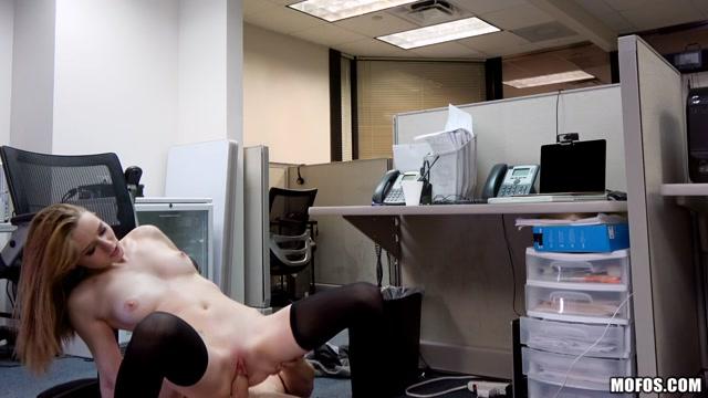 Watch Online Porn – Mofos – PervsOnPatrol presents Ava Hardy in Sexy Secretarys Secret Cam Work – 26.05.2017 (MP4, HD, 1280×720)