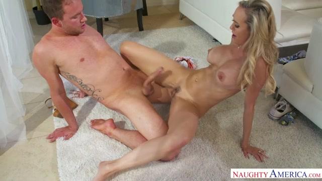 Watch Online Porn – NaughtyAmerica – MyFriendsHotMom presents Brandi Love 22727 – 14.05.2017 (MP4, SD, 640×360)
