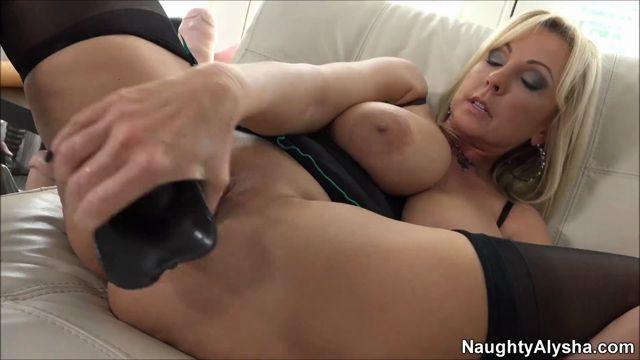 Watch Online Porn – Naughty Alysha – 20.04.2017 (MP4, FullHD, 1920×1080)