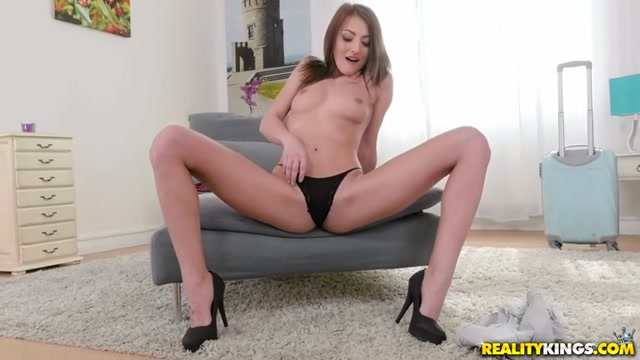 RealityKings_-_MikesApartment_presents_Katy_Rose_in_One_Horny_Rose_-_17.05.2017.mp4.00002.jpg