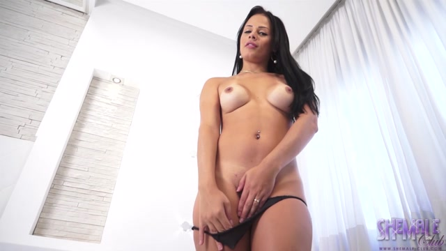 Shemale-club_presents_Bruna_Castro_Solo.mp4.00004.jpg