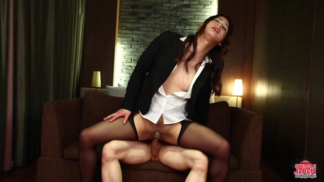 Shemalejapanhardcore_presents_Makoto_Nanese_Loves_Hard_Dick__-_04.05.2017.mp4.00013.jpg