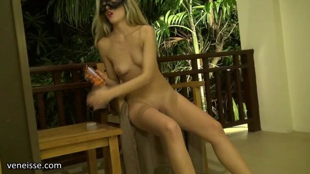 Veneisse_in_Tropical_fruit_hurricane_in_my_pussy.flv.00000.jpg
