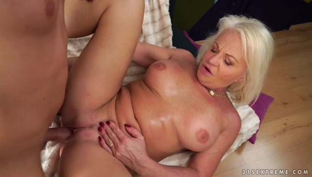 Watch Online Porn – 21Sextreme – LustyGrandmas presents Anett in Trying Antique Pussy – 01.06.2017 (MP4, SD, 960×544)