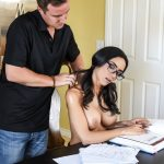 Brazzers – DirtyMasseur presents Tia Cyrus in No Distractions – 05.06.2017