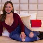 MomPov presents Lolana in Hour glass figure Latina MILF – 01.06.2017