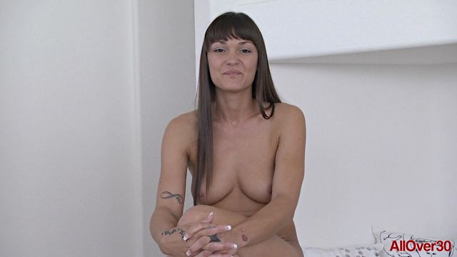 Watch Online Porn – Allover30 presents Olivia Wilder 30 years old Interview – 23.06.2017 (MP4, FullHD, 1920×1080)