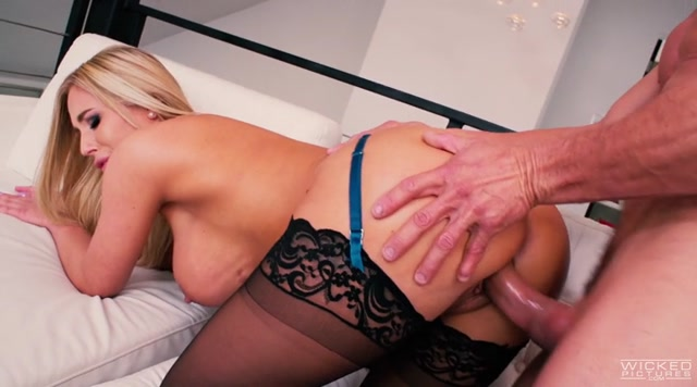 Axel_Braun_Dirty_Blondes_-_Aaliyah_Love__Cali_Carter__Lena_Paul__Olivia_Austin__Tiffany_Watson.mp4.00005.jpg