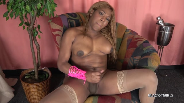 Black-tgirls_presents_Kristals_Sticky_Cumshot__-_02.06.2017.mp4.00014.jpg
