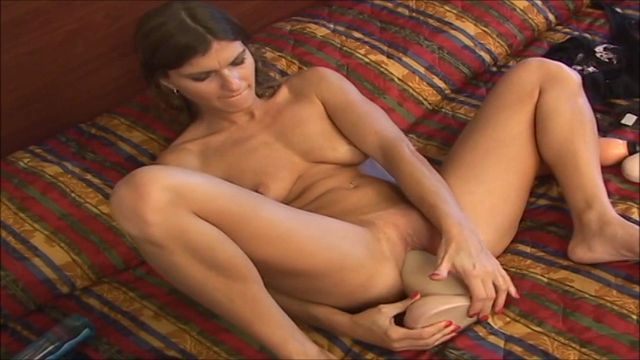 BrutalDildos_presents_Brunette_nympho_Little_Lacy_pussy_starts_tight_and_ends_gaping_after_two_thick_brutal_dildos_-_08.06.2017.wmv.00011.jpg