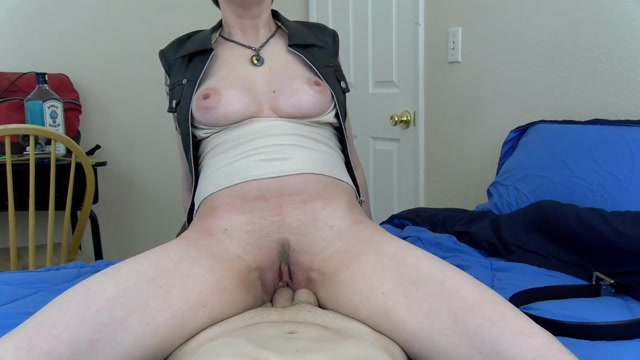 Watch Online Porn – Clips4Sale – Mrs Mischief presents Moms Dyke Girlfriend Wants your Dick (MP4, HD, 1280×720)