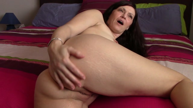 Clips4sale_presents_TABOO_MOM_NATASHA_-_Aarons_dirty_horny_mom.avi.00008.jpg