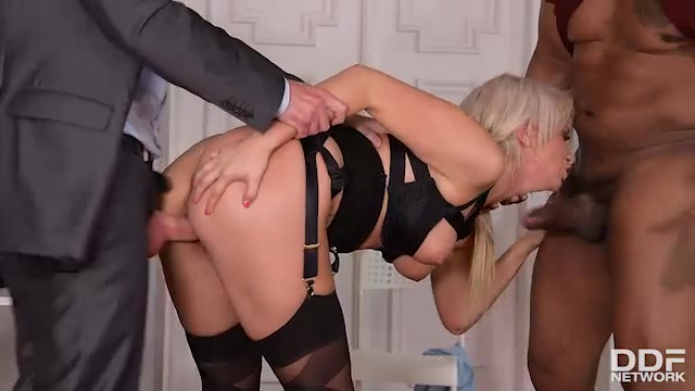 DDFNetwork_-_HandsOnHardcore_presents_Layla_Price_in_Hardcore_Interrogation__Squirting_Blonde_Double_Penetrated_-_24.06.2017.mp4.00008.jpg