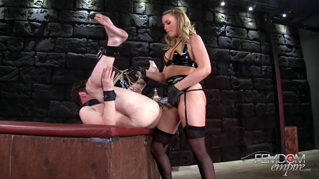 Femdomempire_presents_Mia_Malkova_in_Backdoor_punishment_-_09.06.2017.mp4.00003.jpg
