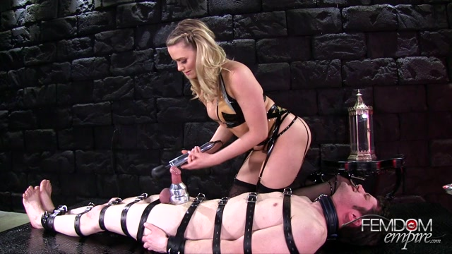 Femdomempire_presents_Mia_Malkova_in_Tip_Only_Milking_-_29.06.2017.mp4.00015.jpg