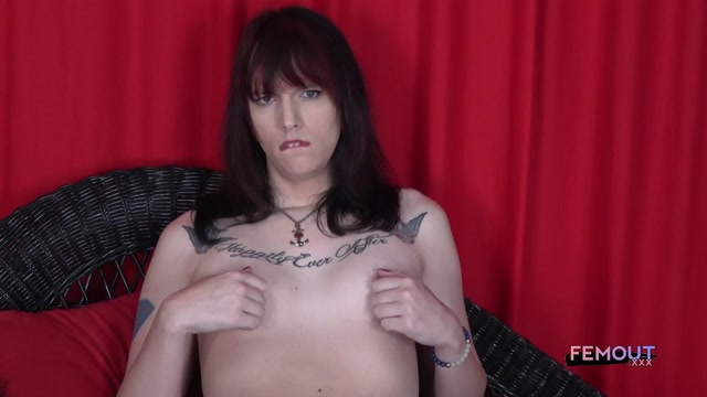 Femout.xxx_presents_Jessica_Pounce_in_Hot_Ms._Pounce_On_The_Couch__-_20.06.2017.mp4.00006.jpg
