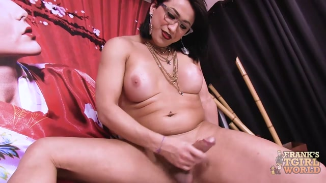 Franks-tgirlworld_presents_Yanca_Costa_Goes_Naked_On_Bed__-_20.06.2017.mp4.00009.jpg