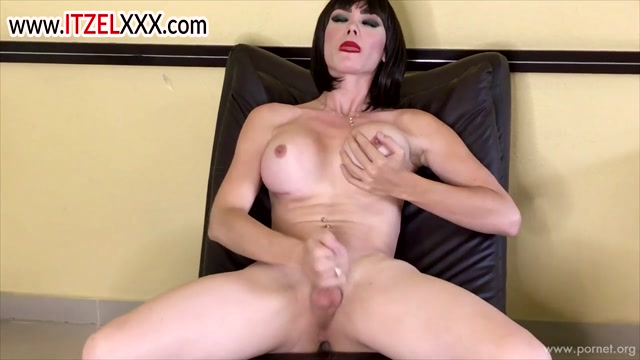 Itzelxxx_presents_Itzel_Star_in_Strip_and_Masturbation.mp4.00008.jpg