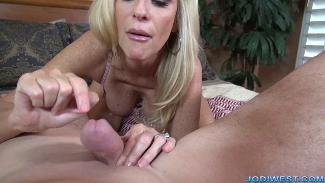 Watch Online Porn – JodiWest presents Jodi West Handjob (MP4, FullHD, 1920×1080)