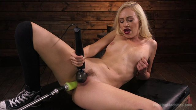 Kink_-_FuckingMachines_presents_Young_and_Blonde_Sex-Kitten_Lyra_Law_Gets_an_Anal_Machine_Fucking___-_21.06.2017.mp4.00008.jpg