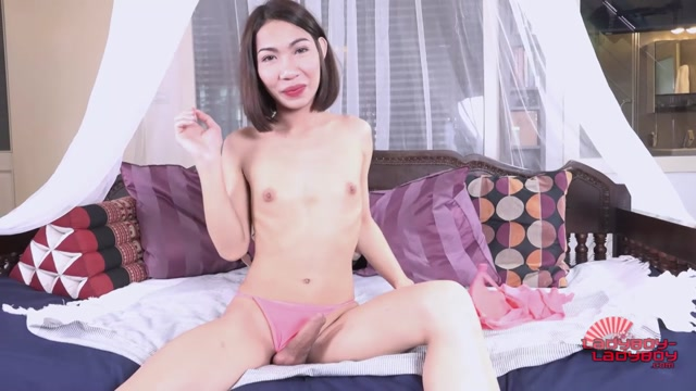 Ladyboy-ladyboy_presents_Tuitui_Prettier_Than_Pink_Cums__-_23.06.2017.mp4.00007.jpg