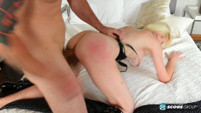 Watch Online Porn – PornMegaLoad – 40SomethingMag presents Oksana Monet in Monet! Monet! Monet! – 14.06.2017 (MP4, FullHD, 1920×1080)