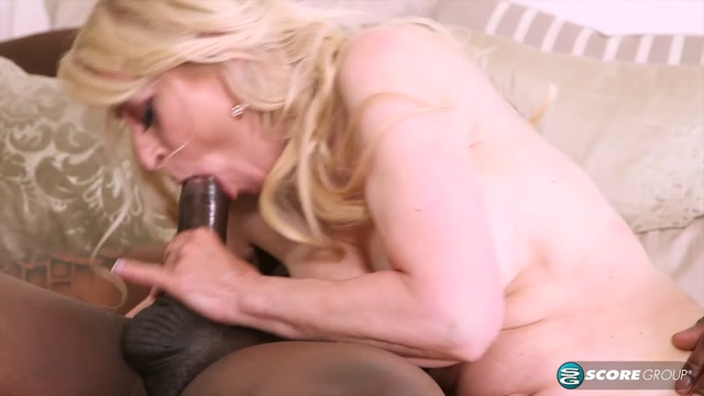 Watch Online Porn – PornMegaLoad – 60PlusMilfs presents Robin Pachino returns for a chocolate fuck stick – 29.06.2017 (MP4, HD, 1280×720)