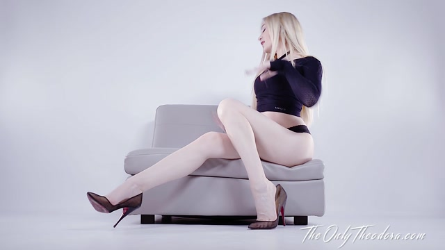 The_Only_Theodora_-_Swallow_for_my_legs_JOI_CEI.mp4.00003.jpg