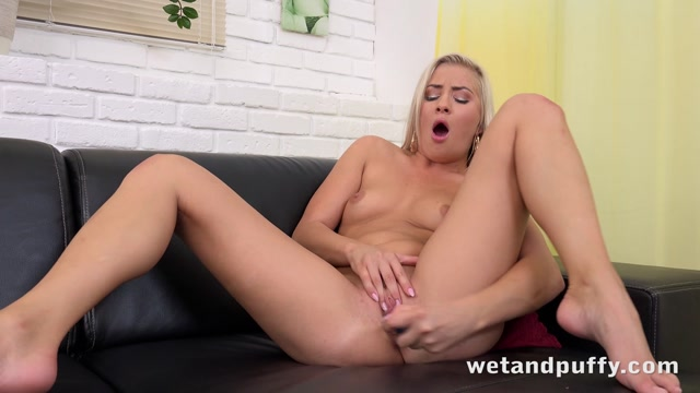Watch Online Porn – WetAndPuffy presents Cayla Lyons in Cute Cayla – 26.06.2017 (MP4, FullHD, 1920×1080)