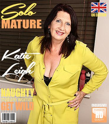 1_Mature.nl_presents_Katie_Leigh__EU___52__in_British_older_lady_fooling_around_-_17.07.2017.jpg