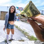 BangBros – BangBus presents Aria Skye in Enjoying The Game – 26.07.2017