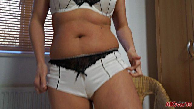 Watch Online Porn – Allover30 presents Karen 38 years old Mature Pleasure – 03.07.2017 (MP4, FullHD, 1920×1080)