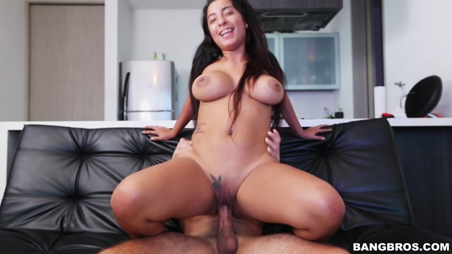 BangBros_-_ColombiaFuckFest_presents_Susana_Santos_in_Busty_Susana_Does_Porn_-_18.07.2017.mp4.00008.jpg