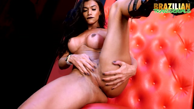 Brazilian-transsexuals_presents_Valerya_Pacheco_is_back_-_27.07.2017.mp4.00004.jpg