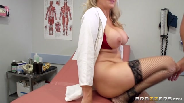 Watch Online Porn – Brazzers – DoctorAdventures presents Julia Ann in Doctoring the Results – 08.07.2017 (MP4, SD, 854×480)