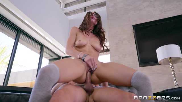 Watch Online Porn – Brazzers – TeensLikeItBig presents Aidra Fox in Driving Dick – 20.07.2017 (MP4, SD, 854×480)