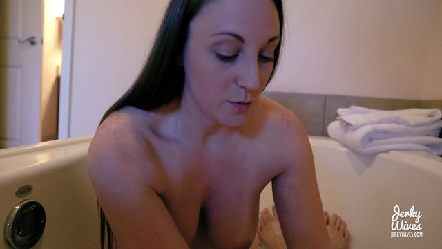 Watch Online Porn – Clips4sale – Jerky Wives presents Melanie Hicks in Mommy Gave Me A Bath (WMV, FullHD, 1920×1080)