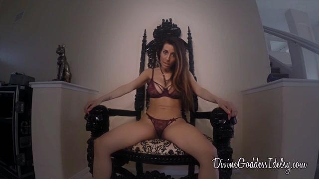 Watch Online Porn – Divine Goddess Idelsy in Little Bitch (MP4, FullHD, 1920×1080)