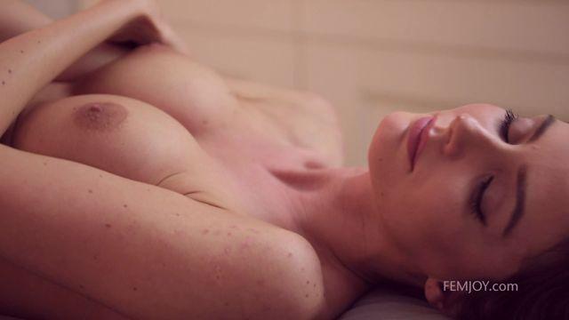 Watch Online Porn – FemJoy presents Fedra in Turn Me On – 30.07.2017 (MP4, FullHD, 1920×1080)