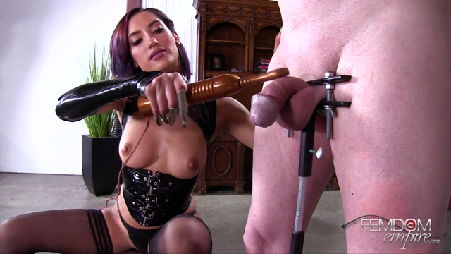 Femdomempire_presents_Chloe_Amour_in_Cock_Claws_-_10.07.2017.mp4.00007.jpg