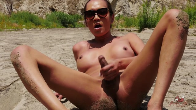 Watch Online Porn – Jessica Fox in Jerking in Jackin in the Desert – 01.07.2017 (MP4, HD, 1280×720)
