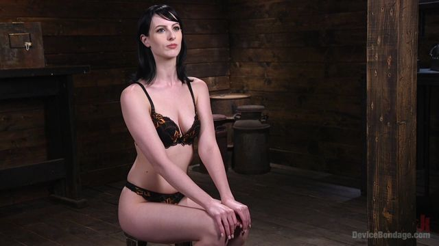 Watch Online Porn – Kink – DeviceBondage presents Fresh Meat – Alex Harper Gets Her 1st Taste of Domination and Bondage – 13.07.2017 (MP4, HD, 1280×720)