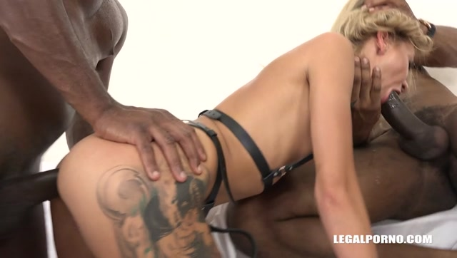 LegalPorno_presents_Whore_Katrin_Tequila_is_selling_pussy_to_3_black_dudes_IV085_-_17.07.2017.mp4.00014.jpg