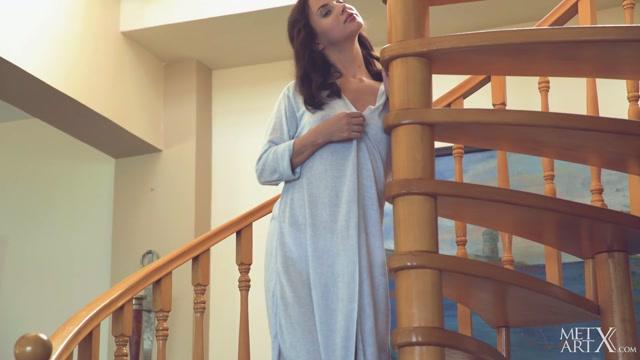 Watch Online Porn – MetArtX presents Jasmine Jazz in On Stairs 2 – 06.07.2017 (MP4, FullHD, 1920×1080)