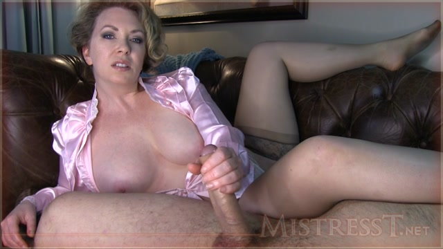 Milf pantyhose mistress videos
